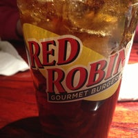 Photo taken at Red Robin Gourmet Burgers by The Grinch on 1/18/2013