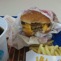 Photo taken at Burger King by Andre F. on 2/12/2013
