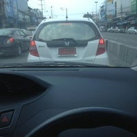 Photo taken at Saint Paul Convent Intersection by Iamfa . on 2/9/2013