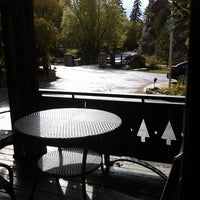 Photo taken at Highland Haven Creekside Inn by Steve B. on 10/13/2012