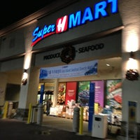 Photo taken at Super H Mart by Zoe A. on 12/25/2012