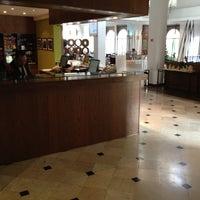 Photo taken at Hilton Garden Inn by Jesus B. on 12/5/2012