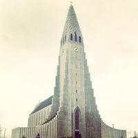 Photo taken at Church of Hallgrímur by Ricardo S. on 6/13/2013