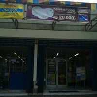 Photo taken at Indomaret canggu by Agus Ấ. on 12/11/2012