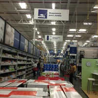 Photo taken at Lowe's Home Improvement by Aldo R. on 12/30/2012