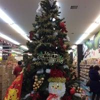 Photo taken at 二木の菓子 GLOBO蘇我店 by Yutaka I. on 12/24/2015