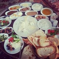 Photo taken at Van Kahvaltı Salonu by Gülistan K. on 3/10/2013