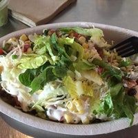 Photo taken at Chipotle Mexican Grill by Poonam G. on 4/27/2016