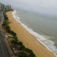 Photo taken at Praia de Itaparica by Luzzia O. on 1/23/2013