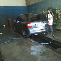 Photo taken at LaveBem Serviços Automotivos by Daniel Cabral on 1/8/2013