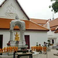 Photo taken at เทวสถาน (โบสถ์พราหมณ์) Dhevasathan (Brahmin Shrines) by Jay B. on 6/19/2016