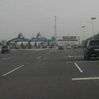 Photo taken at Gerbang Tol Cimanggis Utama by Dandun W. on 10/27/2012