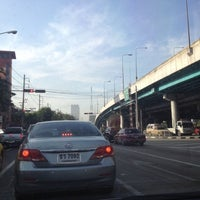 Photo taken at Sutthisan Intersection by YoNgYeE on 11/15/2012