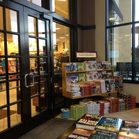 Photo taken at Barnes & Noble by Mossman $. on 10/30/2013