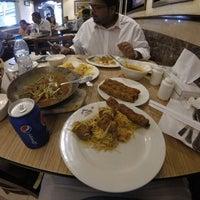 Photo taken at Karachi Darbar كراتشي دربار by Kingsley F. on 12/31/2015