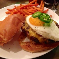 Photo taken at Stella's Restaurant, Bar, & Café by H on 5/27/2013