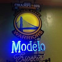 Photo taken at Applebee's by Marisol d. on 9/17/2016