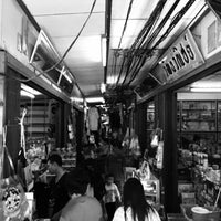Photo taken at ตลาดบ้านแพ้ว by Liftildapeak W. on 7/5/2015