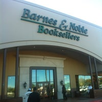 Photo taken at Barnes & Noble by Jenny at D. on 1/22/2013