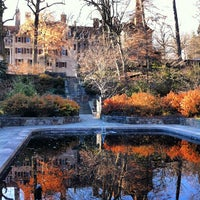 Photo taken at Winterthur Museum, Garden & Library by Leslie C. on 12/13/2012