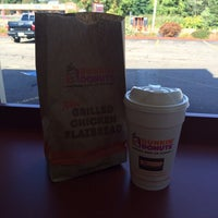 Photo taken at Dunkin' Donuts by Joaquin V. on 9/22/2014