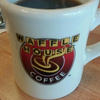 Photo taken at Waffle House by Nicolas B. on 6/13/2016