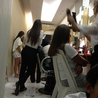 Photo taken at Rejane Cabelos e Estética by Victor G. on 12/22/2012
