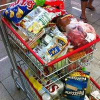 Photo taken at Supermercado Jacomar by Roberto C. on 12/28/2012