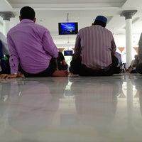 Photo taken at Masjid Jamek Kuala Lumpur by Ezral on 7/5/2013