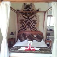 Photo taken at Moana Lodge by Alejandro Q. on 1/30/2013