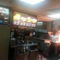 Photo taken at McDonald's by ไรอัน ไหวพริบ (. on 1/10/2013