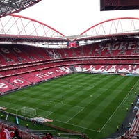 Photo taken at Estádio do Sport Lisboa e Benfica by João Gomes Martins on 5/6/2013