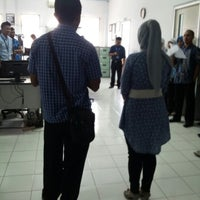 Photo taken at PT FIF Cabang Solok by Nina Kemala s. on 11/12/2012
