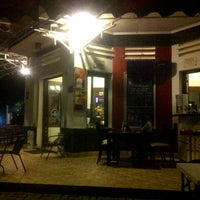 Photo taken at D'Lounge Cafe & Resto by Ridwan w. on 4/25/2013