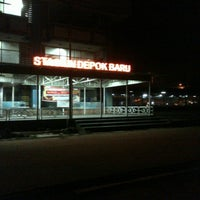 Photo taken at Stasiun Depok Baru by Hadi S. on 8/28/2013