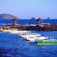 Photo taken at Pantai Candidasa by Ismo S. on 9/20/2014