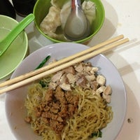 Photo taken at Bakmi Lung Kee by stepmaramis on 1/9/2013