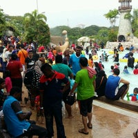 Photo taken at Wet World Shah Alam by Mohd Isa A. on 12/26/2016