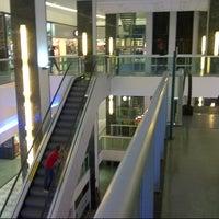 Photo taken at Shopping Difusora by Rafael G. on 1/11/2013