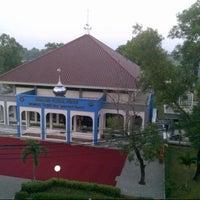 Photo taken at Sekolah Tinggi Transportasi Darat (STTD) by kriske e. on 10/14/2013