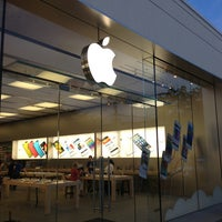 Photo taken at Apple Store, Easton Town Center by Timothy P. on 5/22/2013