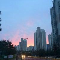 Photo taken at 동막초등학교,호수마을계룡리슈빌,어울림 (ID:29-820) by Moon100(H.G) K. on 1/2/2014