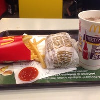 Photo taken at McDonald's by Auf i. on 3/26/2016
