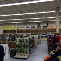 Photo taken at Dick's Sporting Goods by Dave V. on 5/24/2014