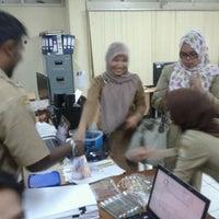 Photo taken at Divisi Penyelesaian Kredit by Firmansyah C. on 1/17/2013