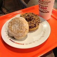 Photo taken at Dunkin' Donuts by Qie Qie G. on 3/9/2013
