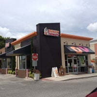 Photo taken at Dunkin' Donuts by Rich L. on 9/10/2014