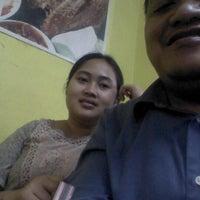 Photo taken at Bebek Goreng Kremes Monggo by andriansah s. on 9/17/2012