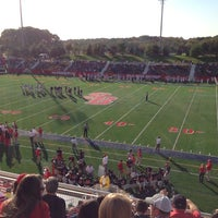 Photo taken at Kenneth P. LaValle Stadium by Arthur Messina C. on 10/20/2012