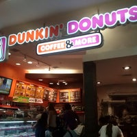 Photo taken at Dunkin' Donuts by Pía R. on 3/3/2013